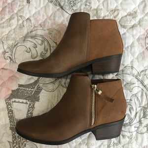 CALL IT SPRING zip ankle booties